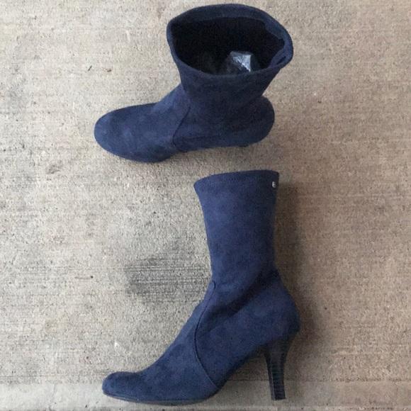 153d52ec86cc Tommy Hilfiger Faux Suede Sock Ankle Boots. M 5c3e9e2de944bad3cbbebbd1